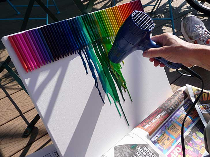 Extremely-Smart-DIY-Melted-Crayon-Wall-Art-Project-homesthetics-7