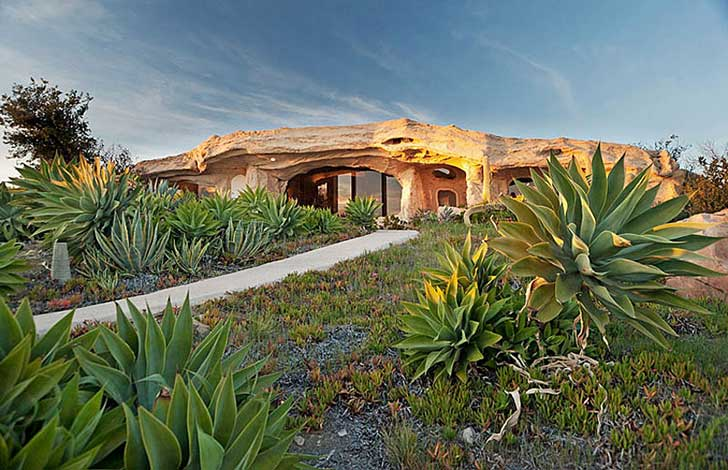 flinstone_house_malibu_beautifullife_01b1