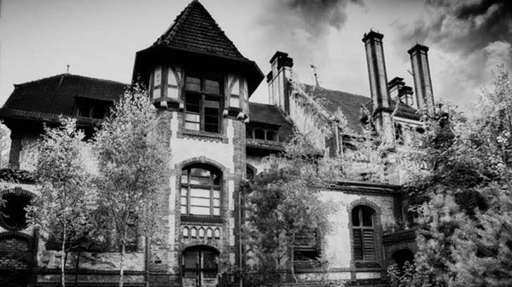 haunted-house-famous-660