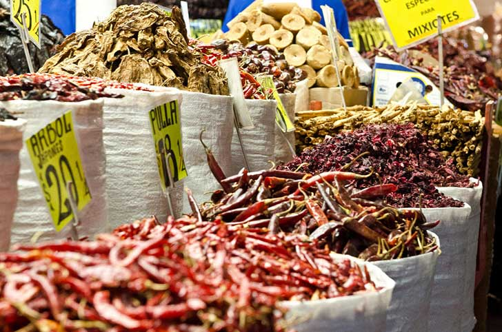 Red-Hot-Chili-Peppers-at-Merced-Market-Mexico-City-Mexico