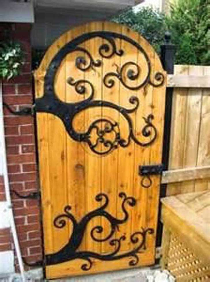22-Insanely-Charming-Garden-Gate-DIY-Projects-Protecting-Greenery-in-Style-usefuldiyprojects.com-outdoor-space-decor-18
