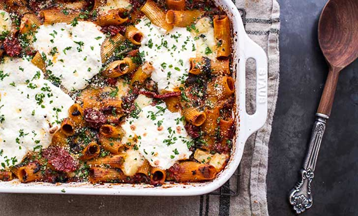 One-Pan-Four-Cheese-Drunken-Sun-Dried-Tomato-and-Spinach-Pasta-Bake-9