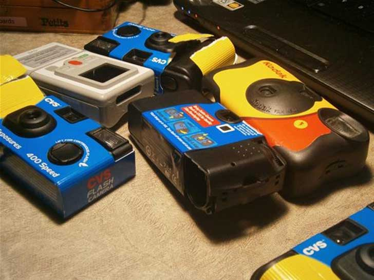 weapons-for-urban-guerrilla-make-taser-from-disposable-camera.w654