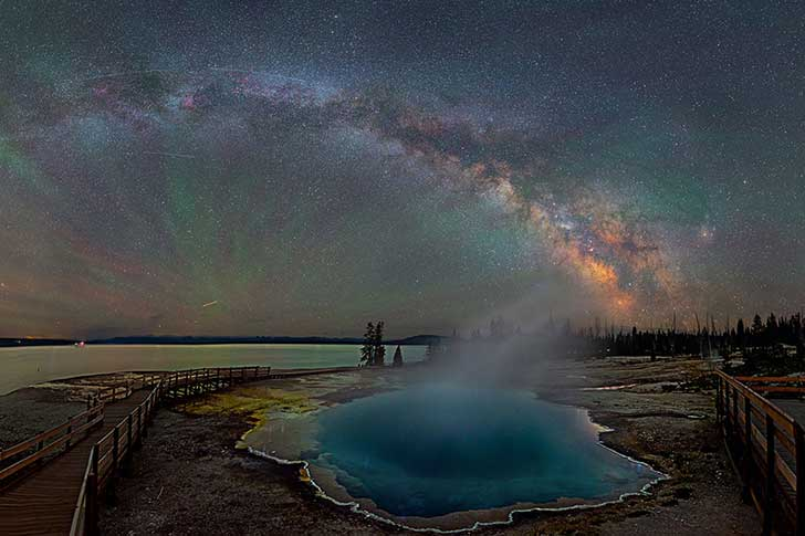 colorful-milky-way-photographs-yellowstone-park-david-lane-1