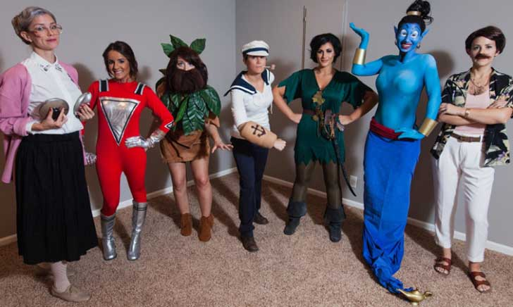 group-of-friends-dresses-as-one-actors-roles-every-year-for-halloween-robin-williams