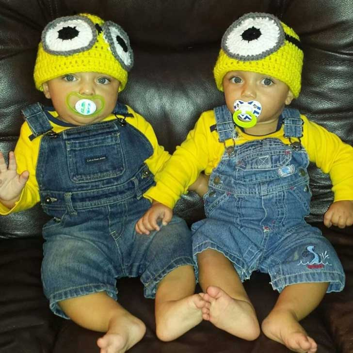 halloween-twins-costumes-2