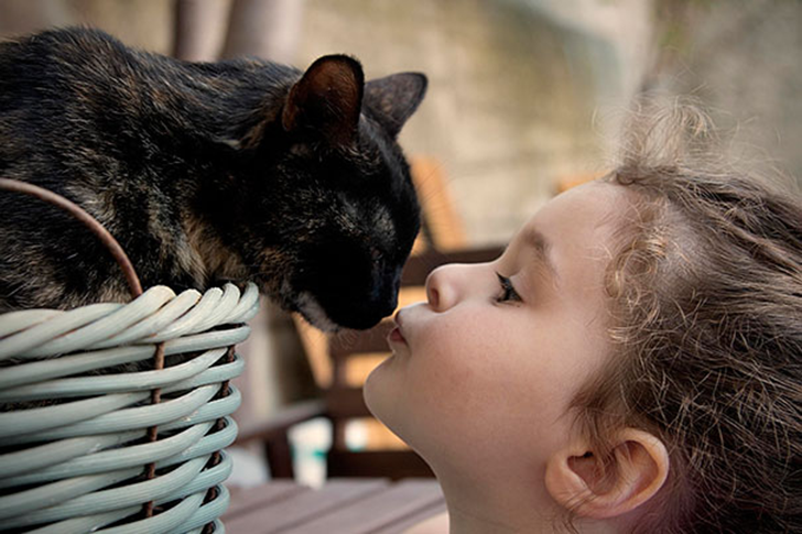 kids-with-cats-34__605