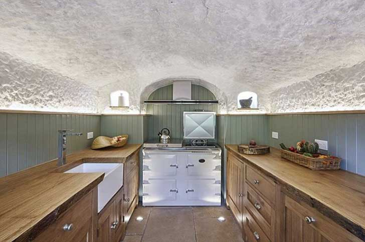 gallery-1453313727-cave-home-kitchen