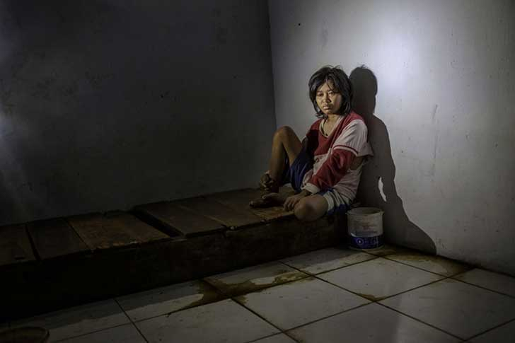 Mental ilness-disorder-indonesia-andrea-star-reese-6