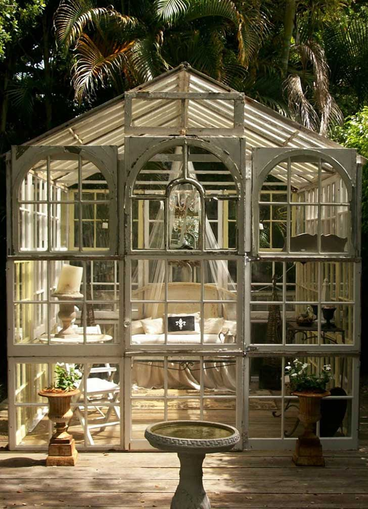 she-sheds-garden-man-caves-4-57077eb8d5c78__700