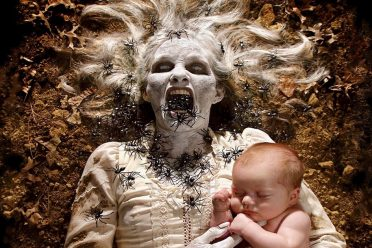 creative-child-photography-horror-joshua-hoffine-fb