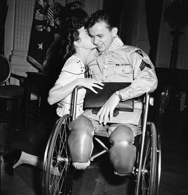 old-photos-vintage-war-couples-love-romance-54-573598b44368b__880 2