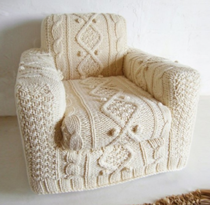 723855-650-1445946971knitting-biscuit-scout1
