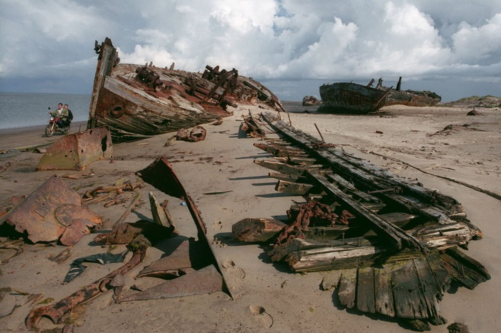 Remains of the fishing fleet once totaling more then 70 the ships. Aug. 2005