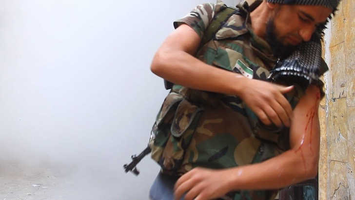 photo-journalism-tank-shell-explosion-moment-syrian-rebels-tracey-shelton-6