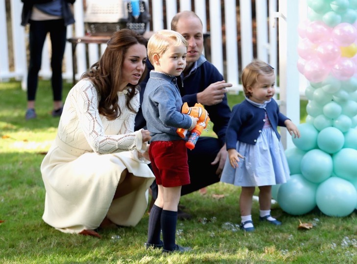 kate-middleton-see-chloe-dress-canada-sept-2016-7