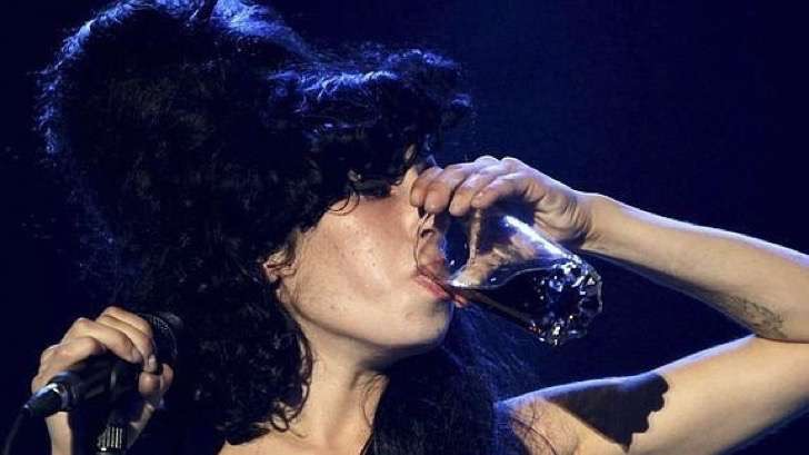 amy-winehouse-alcohol-2