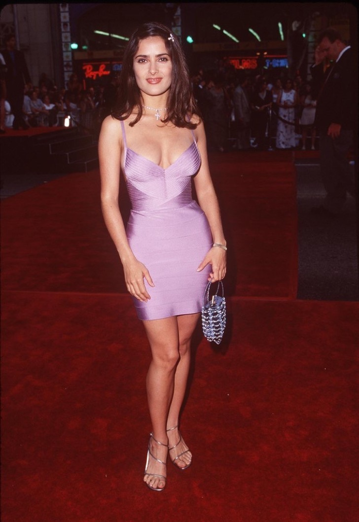 salma-hayek-reached-pink-dress-1998-premiere-lethal