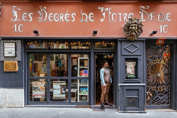 storefronts-paris-re-tale-Pixartprinting-sebastian-Erras-24
