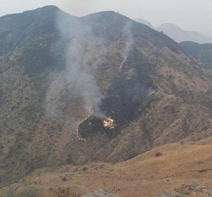 3b237ff200000578-4009228-smoke_was_seen_rising_from_the_site_after_pakistan_international-m-48_1481115174276-2