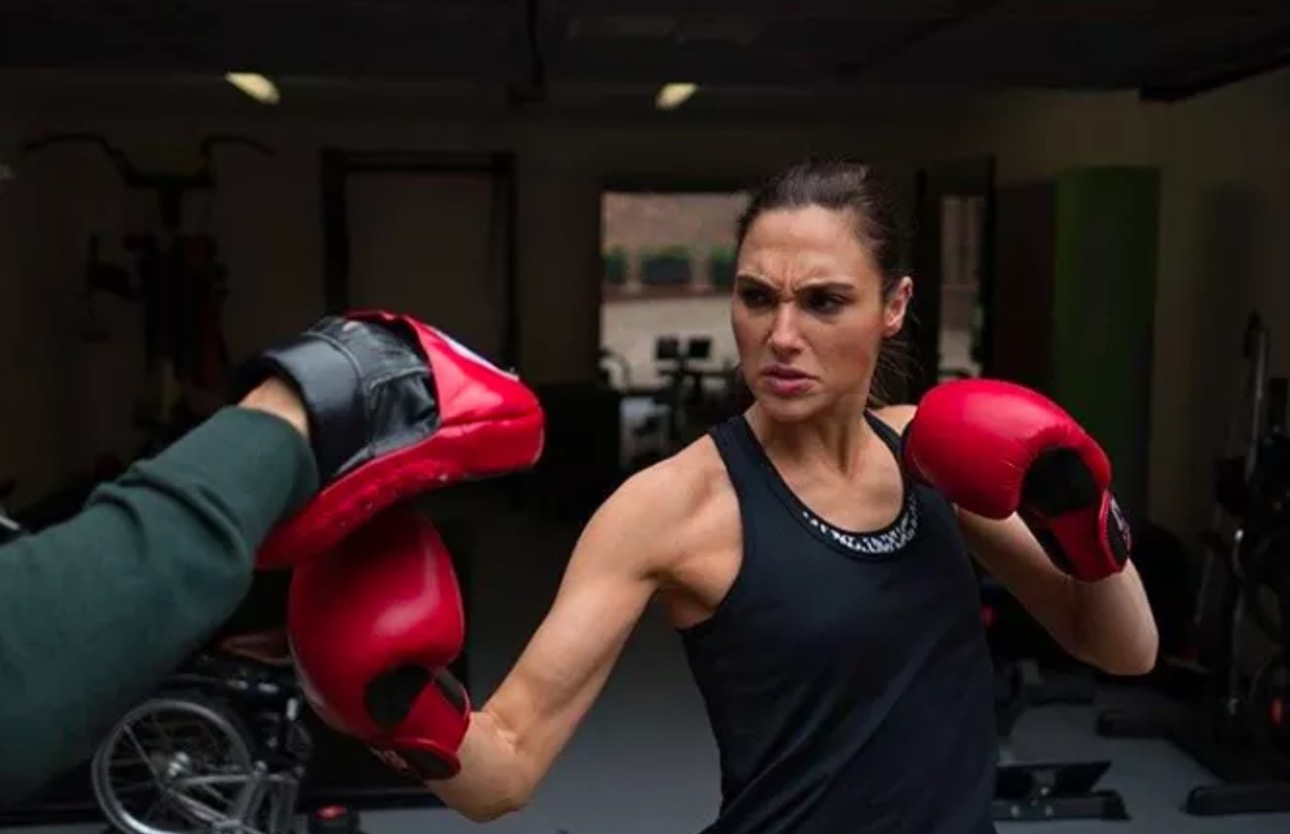 Image result for gal gadot in wonder woemn workout