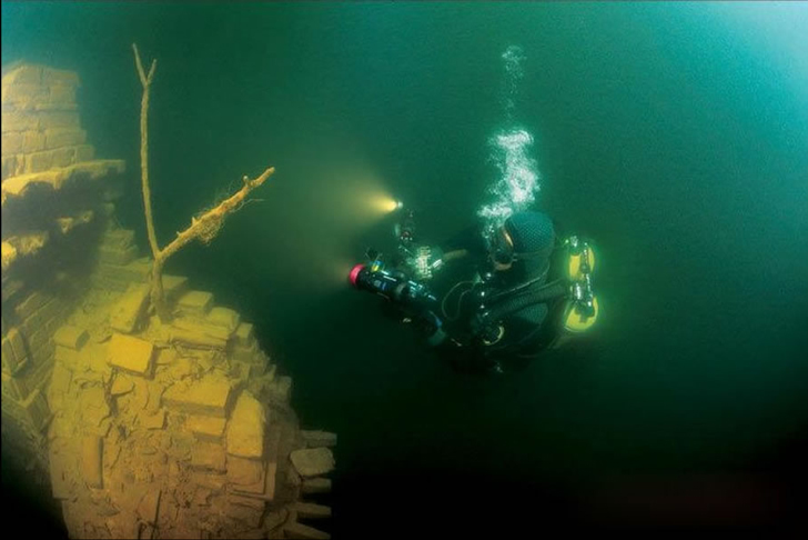International-archeologists-said-the-submerged-Lion-City-was-an-underwater-time-capsule