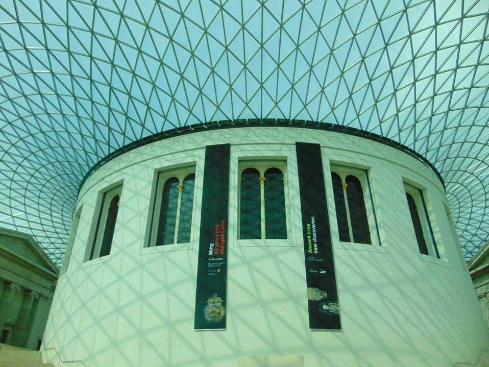 no-15-the-british-museum-in-london-has-the-rosetta-stone-on-display